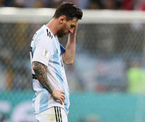 Messi harus tertunduk